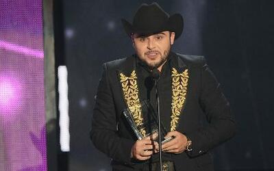 Cancelan otro concierto de Gerardo Ortiz en México por investigaciones