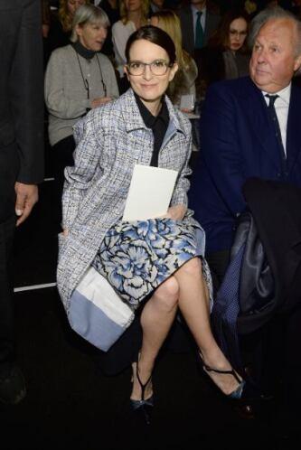 La actriz y presentadora Tina Fey también es amante de la moda.