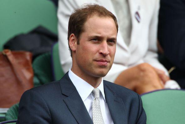 El príncipe William se mostró muy sonriente y atento duran...