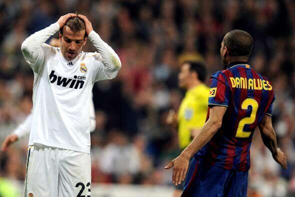 Luego tuvo algunas oportunidades el Real Madrid. Van der Vaart falló la...