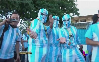 Tony Dandradres le mide la temperatura a los fanáticos de Argentina