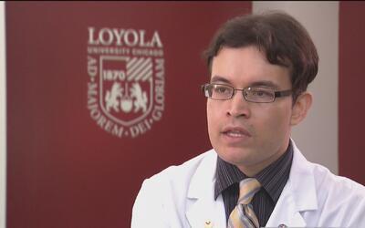 Dreamer mexicano cumple su sueño de estudiar medicina en Loyola Universi...