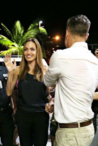 Brad y Angelina no siguieron su camino. Mira aquí los videos más chismosos.