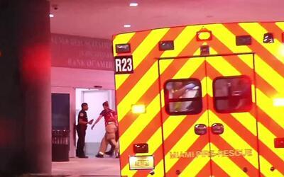 'Miami en un Minuto': hombre apuñaló a su novia en el pecho tras una dis...