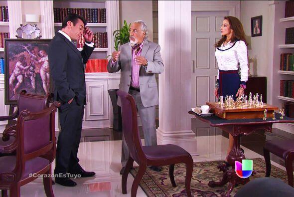 Muy bien don Nicolás, defienda su amor. No deje que Fernando critique a...