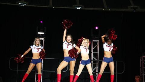 Las chicas de los Houston Texans nos muestran cómo se hace un per...