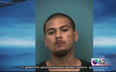 Hombre es arrestado tras arrollar a un policía de Austin