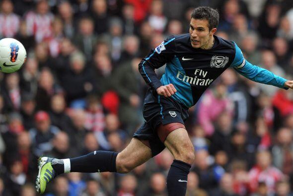 Con el 1 a 1, Arsenal siguió atacando y estuvo cerca de llevarse el triu...
