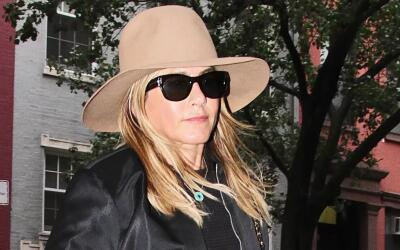 Jennifer Aniston mira retransmisiones de 'Friends'