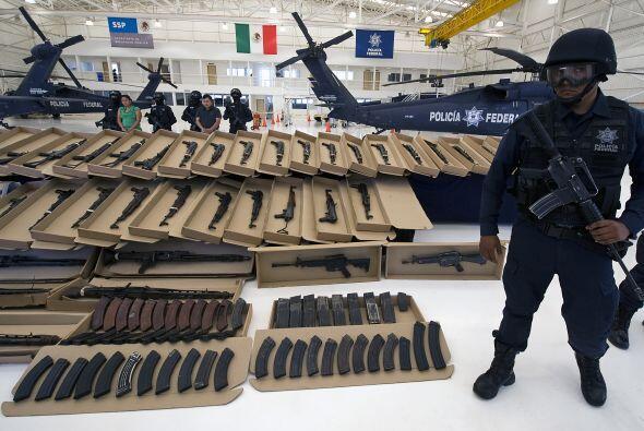 El fuerte arsenal también fue trasladado a la capital mexicana.