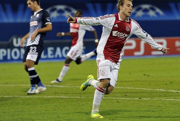 Ajax tumbó al Dinamo Zagrieb. Lo venció 2 a 0 con goles de...