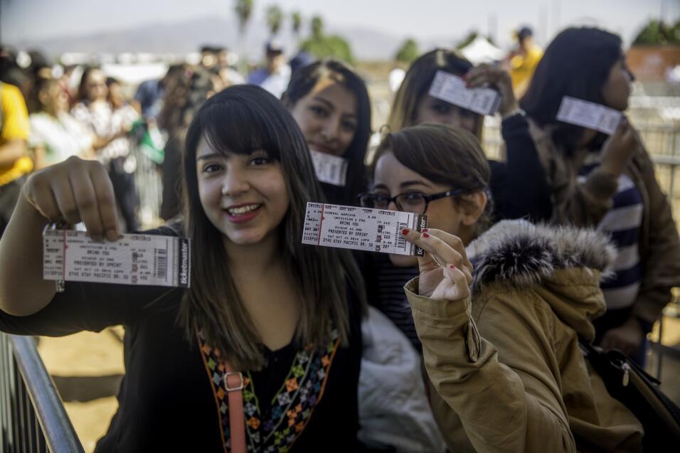 'RiseUp As One': un concierto histórico en la frontera reivindica un mom...