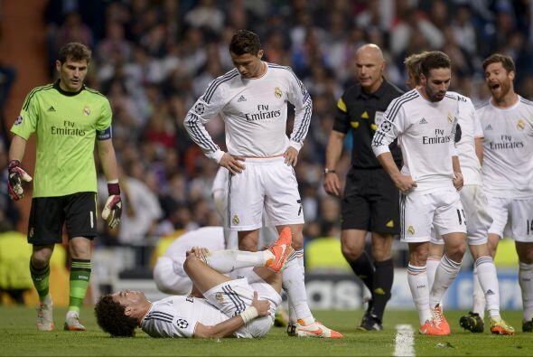 El partido no careció de lesionados. Pepe, que tuvo un juego de altibajo...