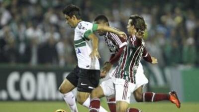 Coritiba lidera en solitario el Campeonato Brasileño-2013 tras derrotar...