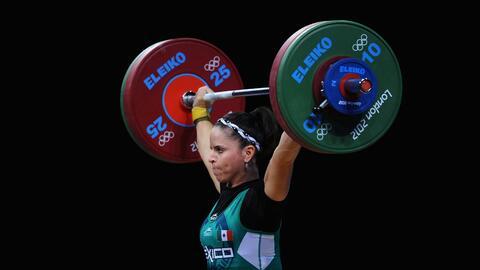 Acosta quedó ubicada en el sexto puesto tras levantar 224 kilos.