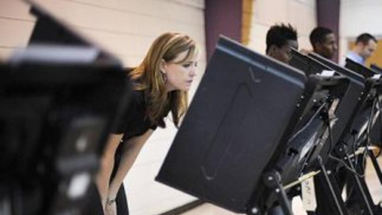 De los 10.2 millones de votantes hispanos que salieron a las urnas en 20...