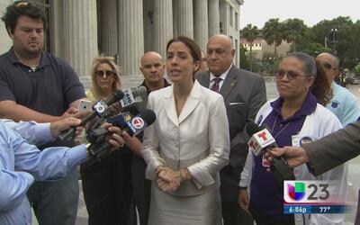 Raquel Regalado presenta una demanda en contra de Carlos Giménez