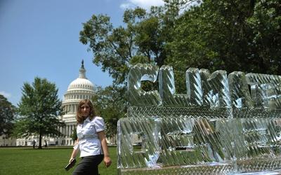 Protesta contra el negacionismo del cambio climático frente al Capitolio