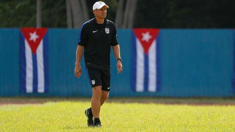 Klinsmann se quejó del campo de juego de Cuba y el DT rival le dio la razón