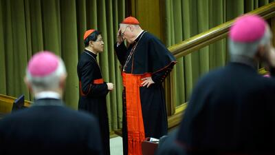 Vaticano plantea cambiar actitud hacia homosexuales