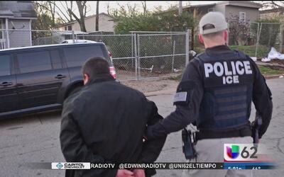 Dan a conocer la identidad de un hombre detenido por agentes de ICE en A...