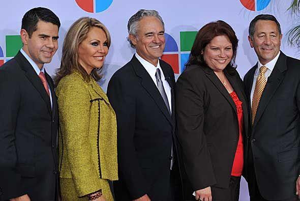 César Conde, María Elena Salinas, Ray Rodríguez, Alina Falcón y Joe Uva.
