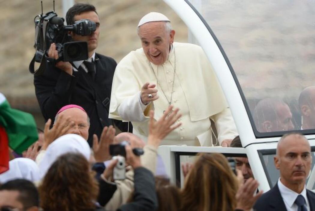 El lunes el Papa instaló un grupo de ocho cardenales que lo ayuarán a mo...