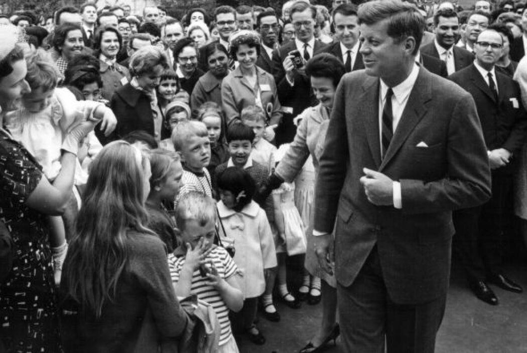 Tras el asesinato de Kennedy en noviembnre de 1963, la escalada en Vietn...