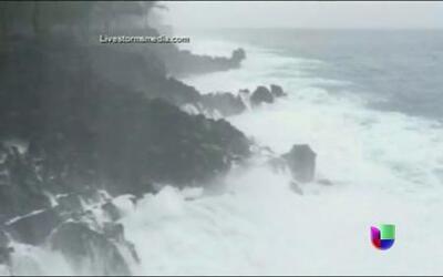 Declaran estado de emergencia en Hawai por tifones
