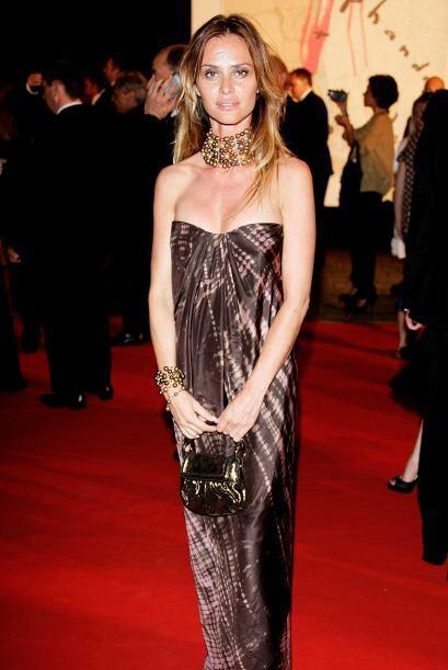 Agathe de La Fontaine es una hermosa actriz francesa que protagoniz&oacu...