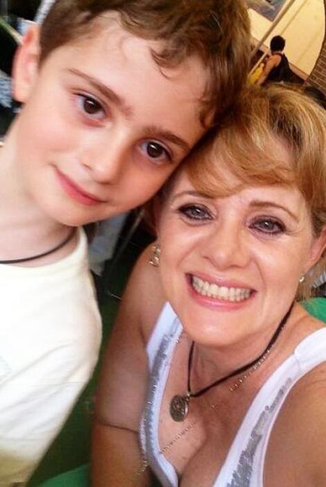 Aquí tenemos a otra linda mamá, Érika Buenfil.