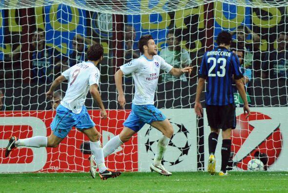 Y la sorpresa llegó cuando Ondrej Celustka metió el 1 a 0...