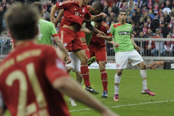 Boateng apareció cuando el partido ante el Fortuna Düsseldorf casi termi...