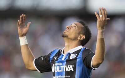 Camilo Sanvezzo volvió a marcar con los Gallos del Querétaro.