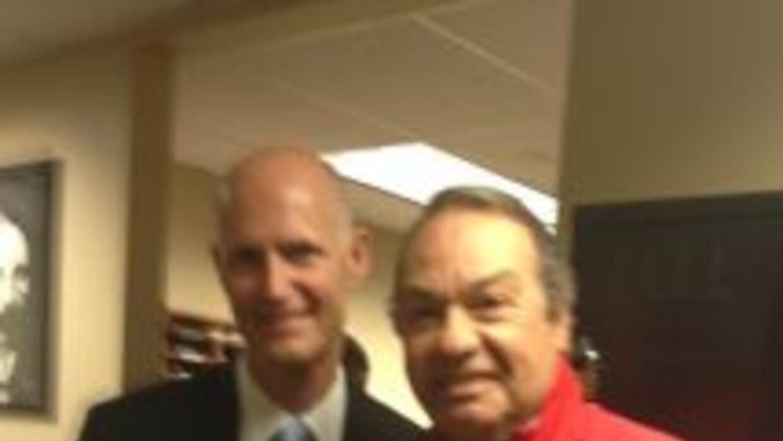 El gobernador de la Florida, Rick Scott, en el programa que conduce Humb...