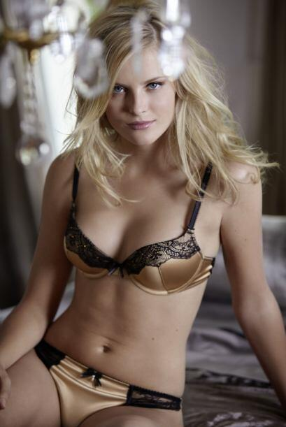 Petra Silander, es una modelo sueca que conquistó al piloto de la Jean V...