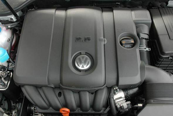 El motor de la Sportwagen es el cinco cilindros en línea de 2.5 litros c...
