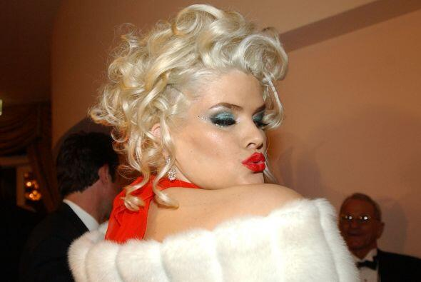 Anna Nicole Smith, modelo y playmate se casó con J. Howard Marshall en 1...