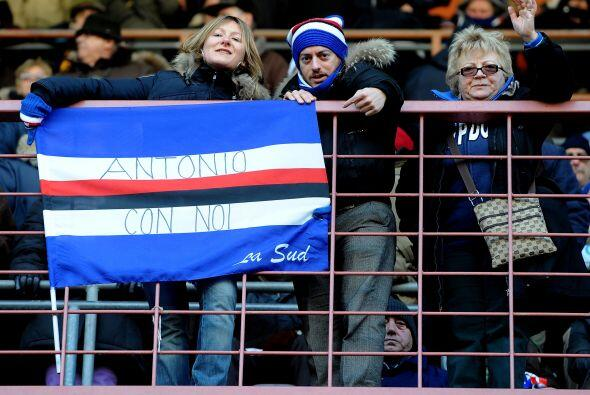 La afición de Sampdoria lo adoptó como hijo pródigo, como muestra esta b...