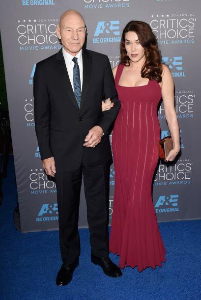 Patrick Stewart y Sunny Ozell fueron de los elegantes de la noche y no d...