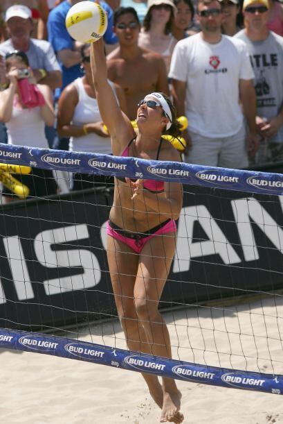 La sensual Misty May es una gran voleibolista y actriz. Acumula 107 vict...