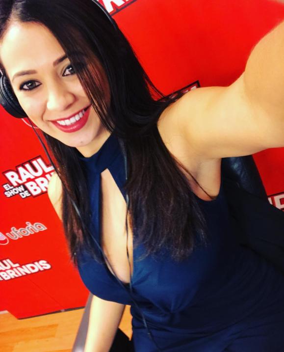 Carla y su color azul intenso.