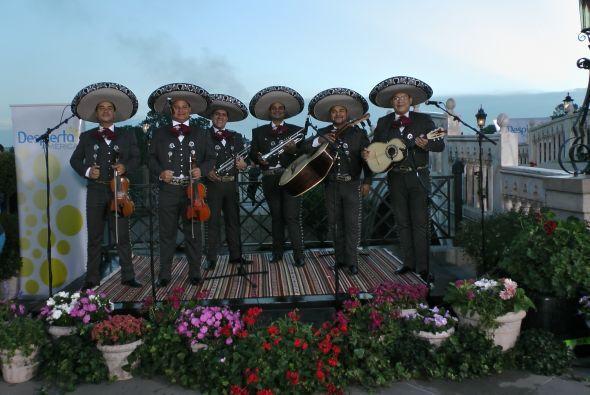 El mariachi no podía faltar en la gran fiesta del programa.