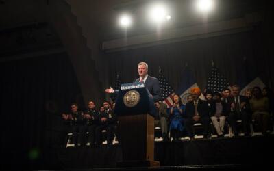 El alcalde de la ciudad de Nueva York, Bill de Blasio, invitó a los ciud...