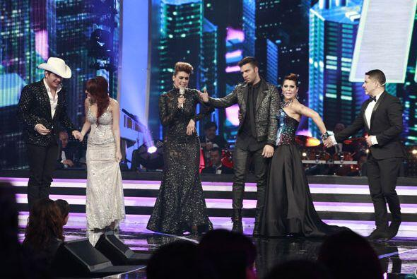 Todos nuestros famosos se reunieron sobre el escenario.