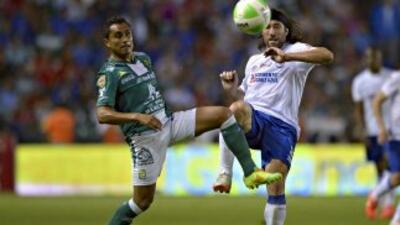 Cruz Azul y León dejaron todo para el partido de vuelta tras el empate a...