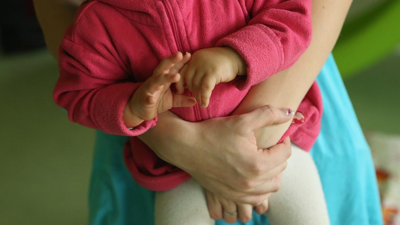 Aprenda a definir si usted es una madre protectora o sobreprotectora