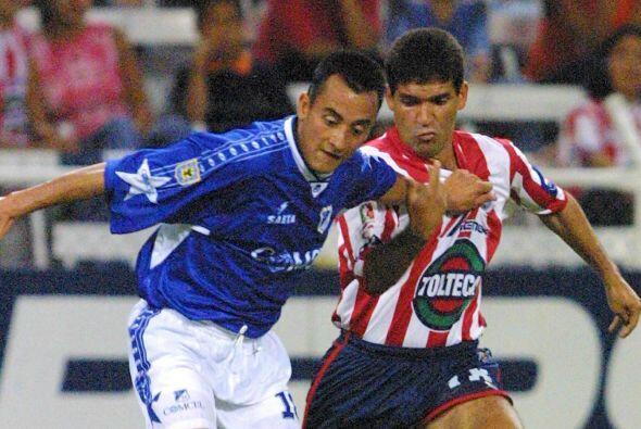 Antonio Torres Servín comenzó su carrera futbolística con los Pumas en 1...