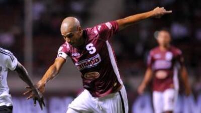 Saprissa goleó hoy por 4-1 al Uruguay y se escapó en solitario en lo más...