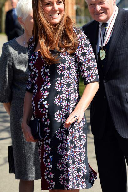 La esposa del príncipe William fue vista en un acto protocolario sin la...